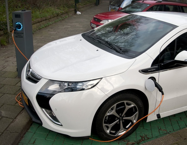 Also five Opel Ampera electric cars are employed by SPIT